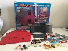Ertl Farm Country Barn and Silo Model Kit Lot