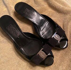 SALVATORE FERRAGAMO Black Patent Kitten Heel Slides Vera Bow Italy Made Size 8