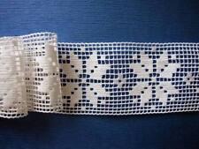 Dentelle ancienne, entredeux, coton blanc, AU METRE, largeur 7.5 cm, (n°209)