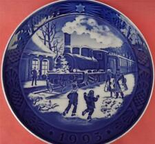 ROYAL COPENHAGEN YEAR PLATE 1993 CHRISTMAS GUESTS