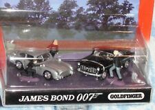 JAMES BOND 007 GOLDFINGER 2 CAR 3 FIGURE SET DIECAST SCALE 1/64