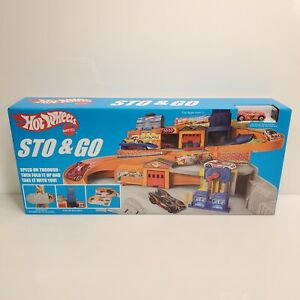Retro Hot Wheels Sto & Go Playset 2015 Target Exclusive