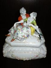 ANTIQUE OESLAU WILHELMSFELD FIGURAL BOX LADY & GENTLEMAN LOVERS PRE GOEBEL 19c