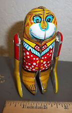 Metal Mania Wind up Tin Monkey toy, fun collectible, Great colors & graphics