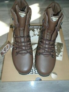 ALTBERG DEFENDER WOMENS COMBAT HIGH LIABILITY BOOTS SIZE 7W WIDE FIT NEW