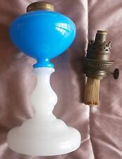 Lampe à pétrole en opaline blanche & réservoir bleu - Bec W&W KOSMOS 10'''