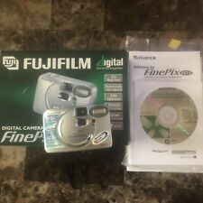Fujifilm FinePix A Series A201 2.0MP Digital Camera Great Condition Hardly Used
