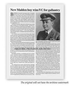 NEW MALDEN SURREY VICTORIA CROSS TO YOUNG PILOT 1944 VINTAGE WAR IMAGE MOUNTED