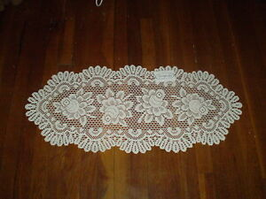"""Heritage Lace Rose 15"""" x 33"""""""