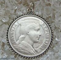 Anhänger in 835 er Silber für Charivari mit Münze Lettland Fünf Lati
