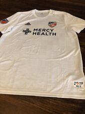 New Adidas Mens FC Cincinnati Soccer Replica Jersey Size XL 2019 White Black