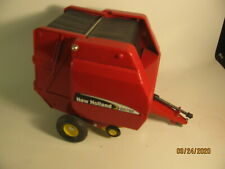 1:16 SCALE MODELS ROUND BALER HAY NEW HOLLAND Model BR780