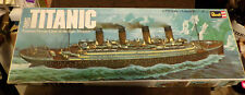 """Vintage (1974) Revell Model: RMS Titanic Scale Model: 18 1/2"""" Long-1/570 Scale"""