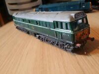 Triang R357 Class 31 Diesel Electric Locomotive, RN: D5572, 9D80 not boxed gloss