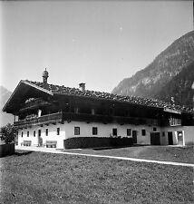 AUTRICHE c. 1959 -  Ferme Tyrolienne Pertisau - Négatif 6 x 6 - Aut 147