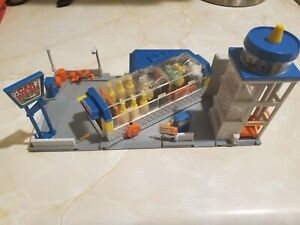 1989 Galoob Micro Machines Car Wash & Parking Garage Playset - Good Shape