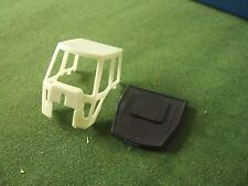 REPRODUCTION BRITAINS 1:32  COUNTY WHITE CAB AND BLACK ROOF
