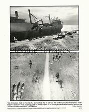 ORIGINAL 1998-MOVIE STILL-GODZILLA-HELICOPTERS-FOOTPRINTS-SHIP-DEMOLISHED-SCARY