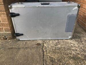 Large sturdy silver flight case on wheels - 2 handles