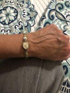 Vintage TISSOT 10K RGP Gold Plated Bezel Band Swiss Winding Wristwatch WORKS!