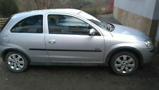 Vauxhall corsa C 1.4 sxi  breaking for spares wheel nut