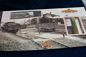 Bachmann Branchline 00 gauge Freight Gift Set with Controller