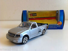 B Burago - Ford SVT F150 Pick-up Lightning gris (1/43)