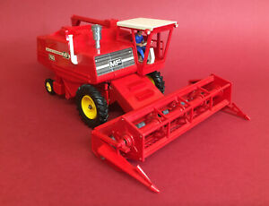 Scarce 1978 Britains 1st Issue Massey Ferguson 760 Combine Harvester No9570