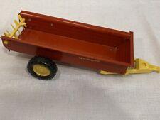 1/16 New Holland Red Manure Spreader ERTL Vintage Toy