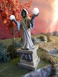 "Halloween Lighted SKELETON LAMP post 4"" STATUE, Lemax, Dept 56 display platform"