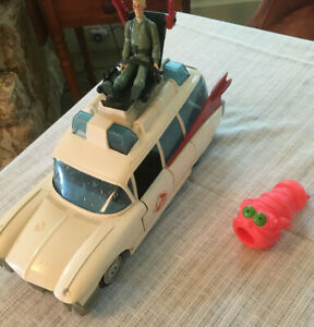 Vintage Ghostbusters Ecto 1 with Egon figure