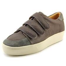 Zapatos planos de mujer Nine West color principal gris de piel
