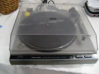 Used Realistic Lab 450 direct drive turntable, Auto Return Lightweight tonearm