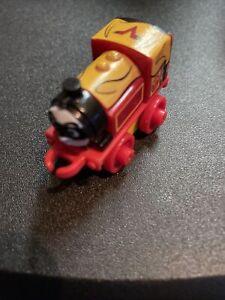 Thomas & Friends MINIS Super Heroes Victor Mini Train Blind Bag!