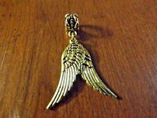 pendentif doré 2 ailes d'ange 30x10