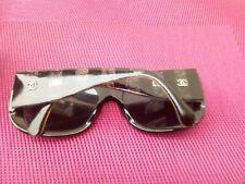 CHANEL , Lunettes vintage / lentille polarisée / Etui cuir Chanel / serie 5295/c