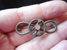 UNUSUAL VICTORIAN PASTE SET TEXTURED PROPELLOR / KNOT BROOCH AG25