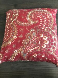 POTTERY BARN Pillow W/ PB Feather Insert RED  PAISLEY Linen/Cotton 20 X 20