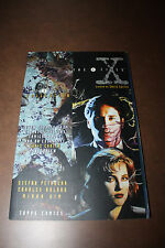 The X-Files Collection - Volume 1 - Topps TPB softcover 1st Print