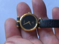 Vintage Gucci Ladies Quartz Watch Genuine Black Leather Band Swiss Made