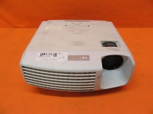 Mitsubishi SD430U Digital Multimedia DLP Projector 2500 Lumens 2000:1 Contrast