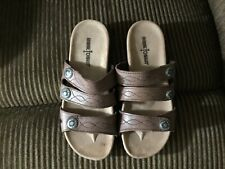 MINNETONKA Women's Brown with 3 straps leather upper Sandals-Size 7