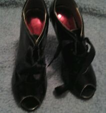 Luichiny Penelope Shiny Black Bootie Lace Up Heels Sz 5.5 B