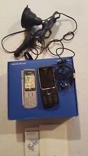 Nokia 2710     Handy mit Navigation und car kit