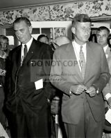 JOHN F. KENNEDY AND LYNDON JOHNSON ADDRESS MEDIA IN 1960 - 8X10 PHOTO (OP-771)