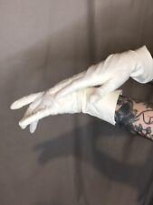 Lavaris White Leather Gloves
