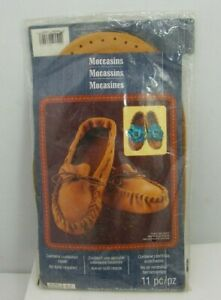 ArtMinds Moccasin Shoes Crafting Kit Size 6/7 Small