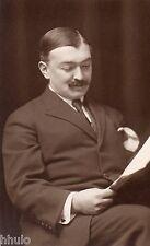 BJ869 Carte Photo vintage card RPPC Homme assis moustache hair lecture cheveux