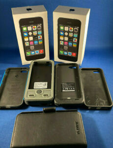 2 Apple iPhone 5s - 32GB - Space Gray (AT&T) A1533 (GSM) Plus extras!!