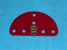meccano 1 plaque semi circulaire avec bague. rouge